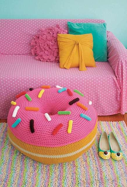 twinkie chan donut poof crochet